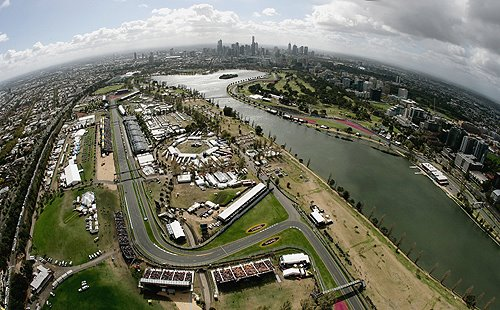 albert_park_aloft_the_melbourne_city_skyline-705828.jpg