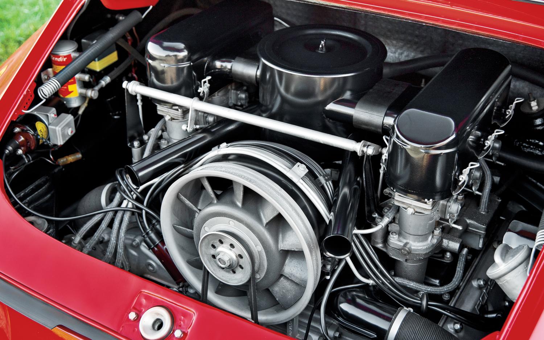 1964-Porsche-901-Prototype-engine