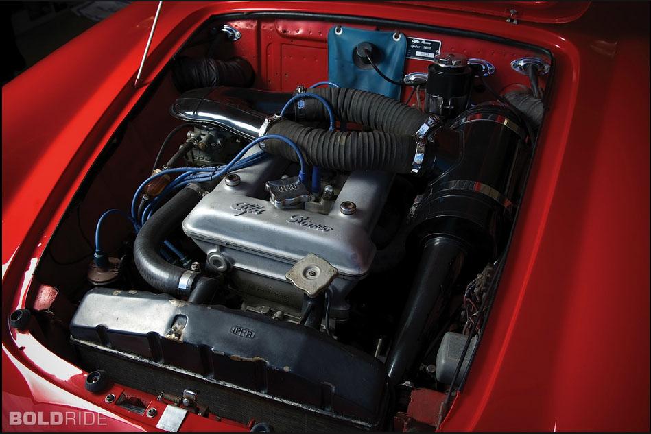 Alfa Duetto Engine