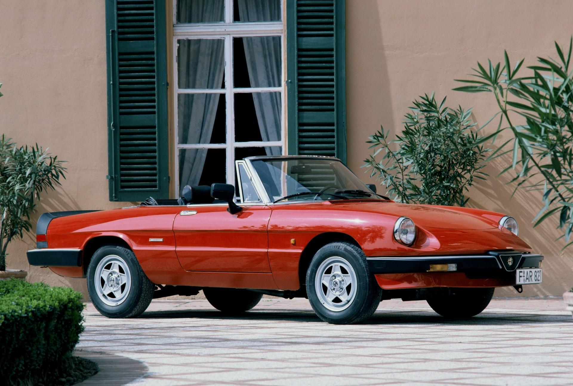 Alfa-Romeo-Spider-1983-89-01