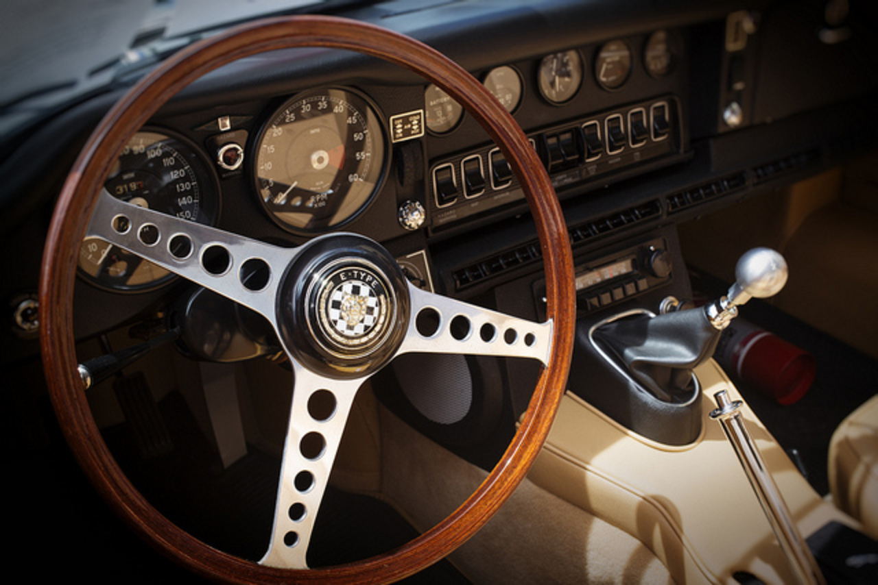 23111_1969-jaguar-e-type-roadster-interior-flickr-photo-sharing
