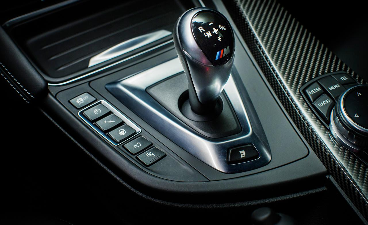 2015-bmw-m4-coupe-shift-lever-photo-568435-s-1280x782