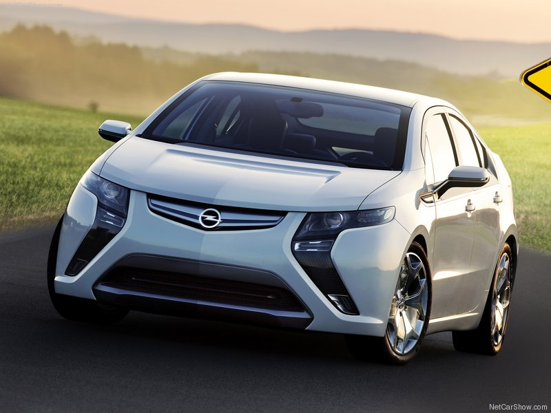 Opel-Ampera_2012_800x600_wallpaper_02