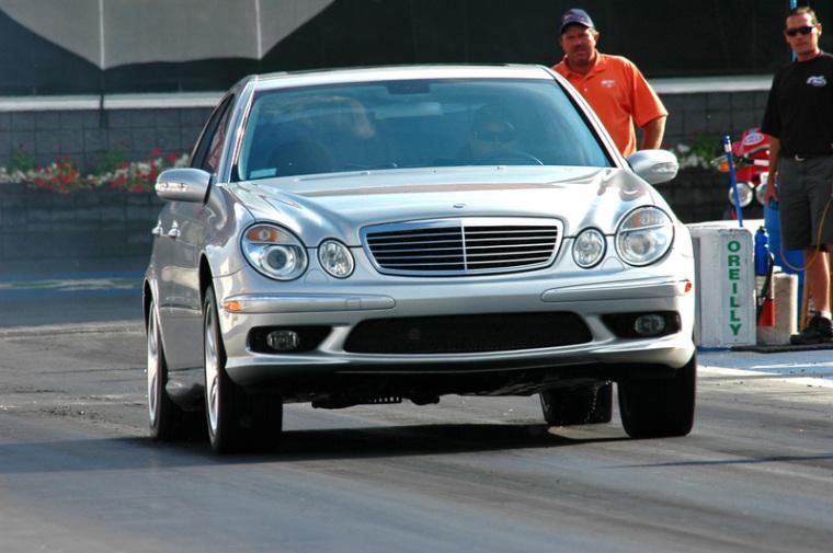 16527-2003-Mercedes-Benz-E55-AMG