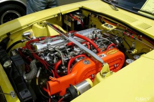 L-Datsun-240z-Engine-3