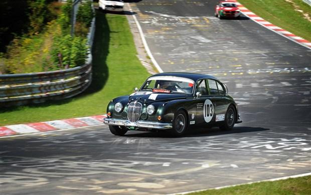 Jaguar-MKII-at-the-Ring
