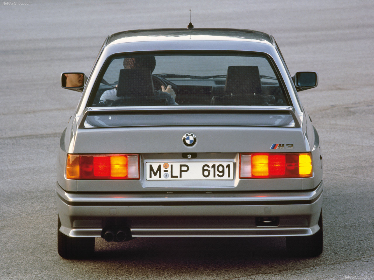 BMW-M3_1987_1280x960_wallpaper_07