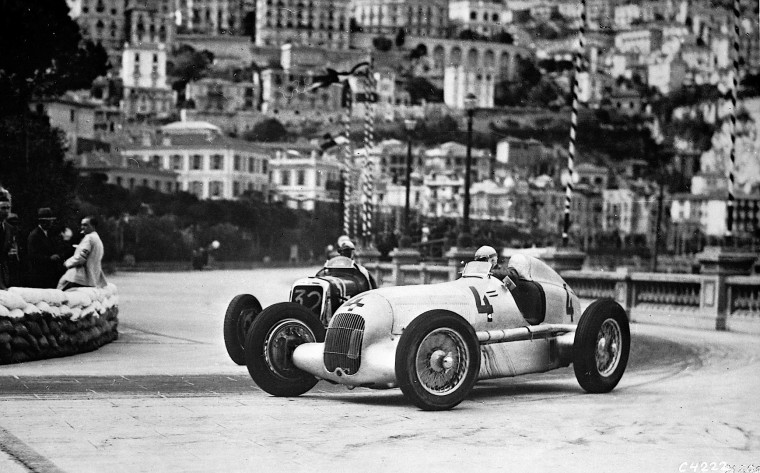 the-mercedes-benz-w25-makes-a-historical-comeback-photo-gallery-67251_1
