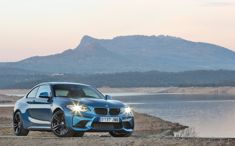 BMW M2 - LONG BEACH BLAU - EXTERIOR_002