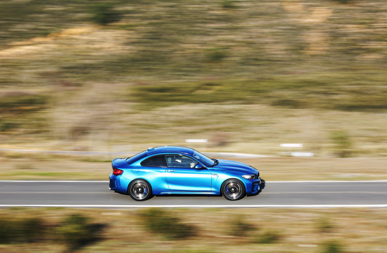 BMW M2 - LONG BEACH BLAU - MOVIMIENTO_033