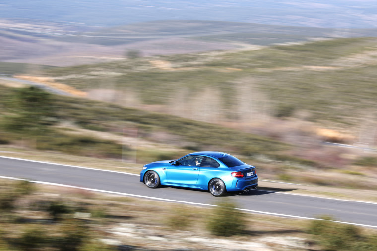 BMW M2 - LONG BEACH BLAU - MOVIMIENTO_036