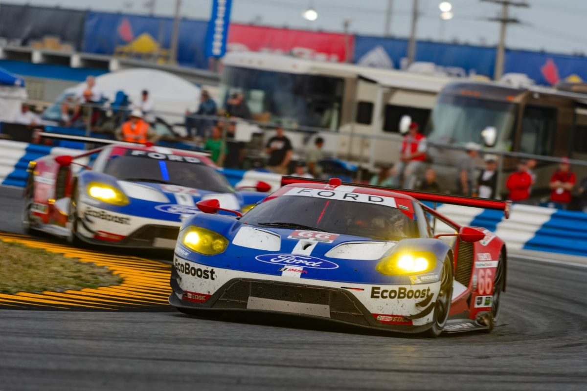 FORD_GT_racing
